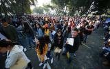 Llegan los aspirantes a centros universitarios para realizar el examen de licenciatura